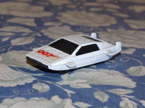 corgi-junior-lotus-esprit-007-[1]
