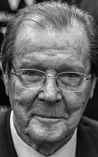 Roger_Moore_2014