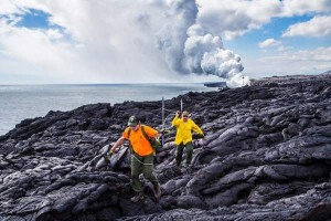 4711550_web1_960_eruption-crew-rangers-rob-ely-and-john-moraes-replace-white-rope-line-marking-closed-coastal-cliffs
