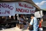 ハワイ島フォト日記 各県人会が自慢のフードを作って売って!
