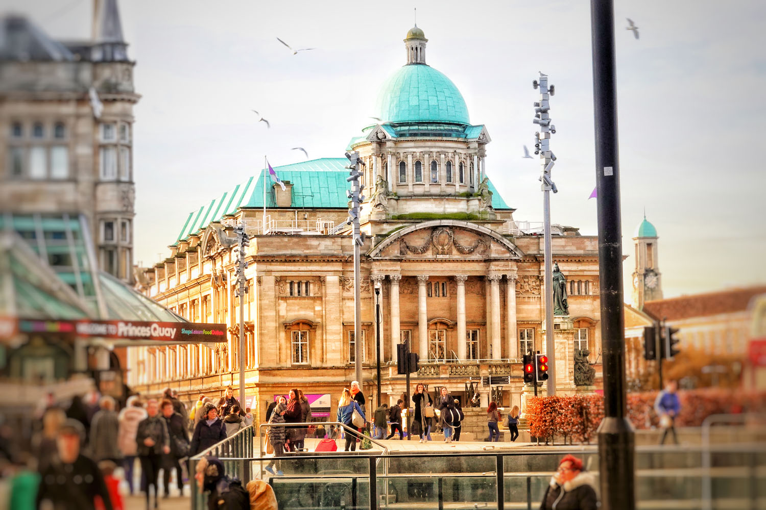 Hull City Hall in Queen Victoria Square.