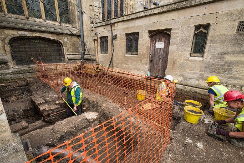 Archaeologists have begun work as the prelude to an exciting new extension to house a visitor and heritage centre at Hull's historic Minster.