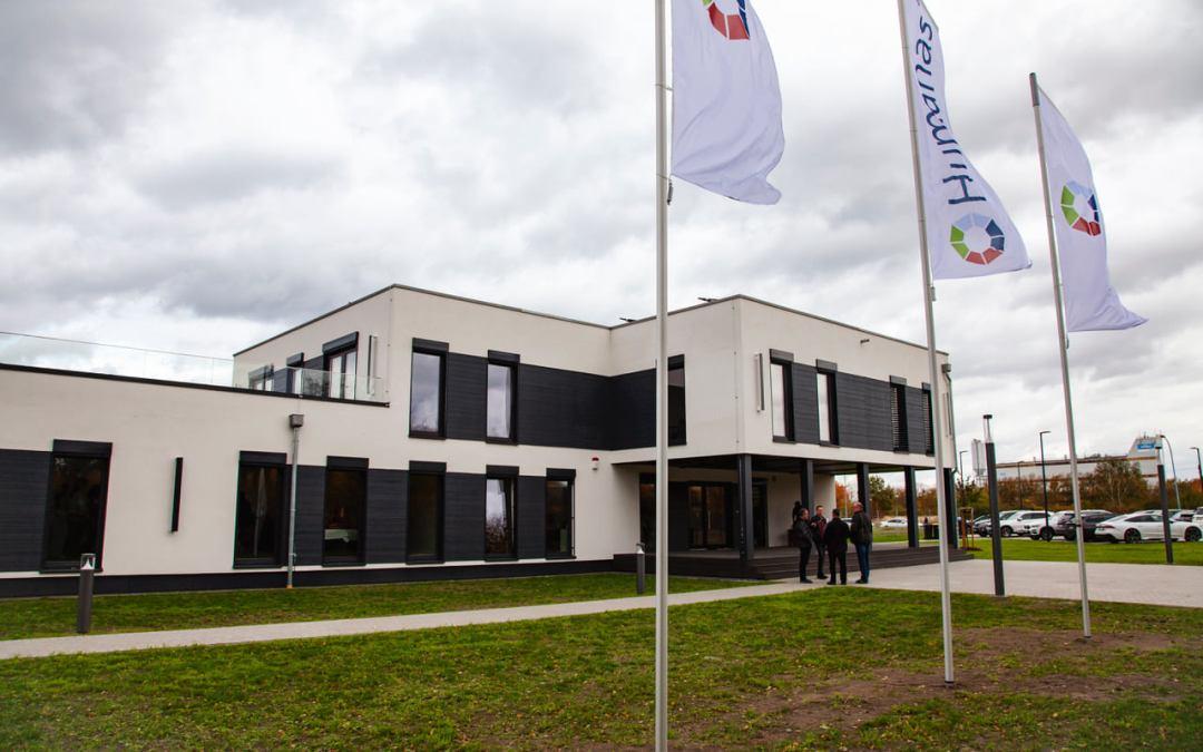 Von damals bis heute: Neues Firmengebäude eingeweiht