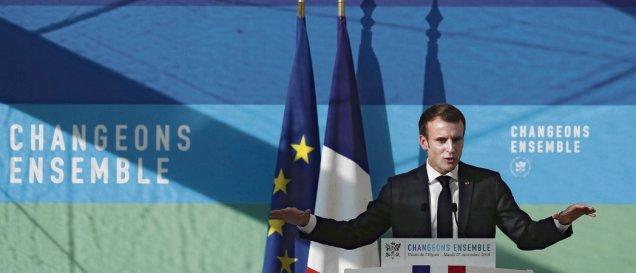 Hier, au palais de l'élysée, Emmanuel Macron a pré senté sa stratégie en matière d'environnement. En plein mouvement des gilets jaunes, il martèle qu'il ne changera pas sa politique. Ian Langsdon/Pool/AFP