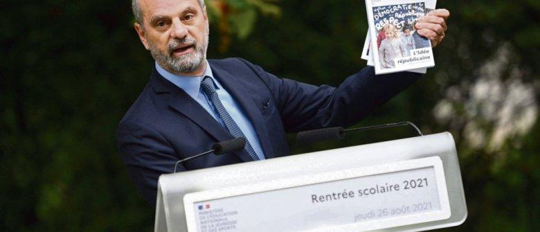 Paris, le 26 août. Le ministre de l'Éducation, Jean-Michel Blanquer, présente sa campagne. Christophe Archambault/AFP
