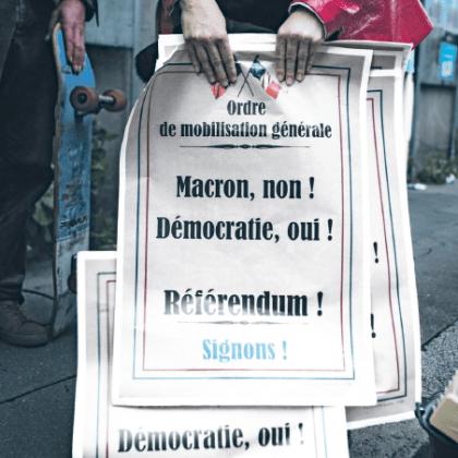 Partout en France, des collectifs se sont formés pour mobiliser autour du référendum. Ici, des militants nantais. PHOTO JEREMIE LUSSEAU/ HANS LUCAS.