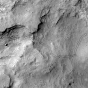 Curiosity on Sol 538 from HiRISE