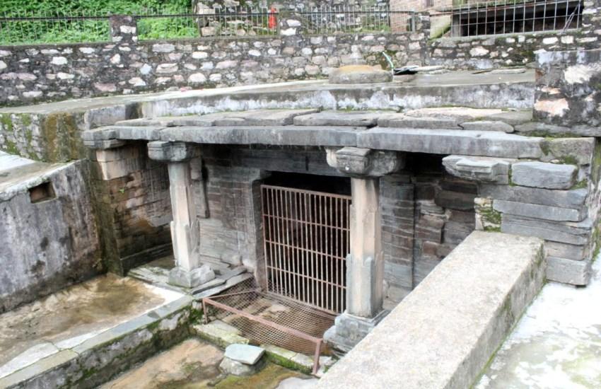 Ancient Jahnavi Naula of Gangolihat