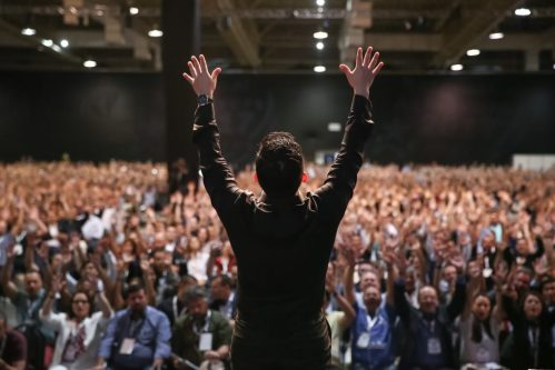 Need Some Inspiration? 9 of the Best Motivational Speakers Right ...