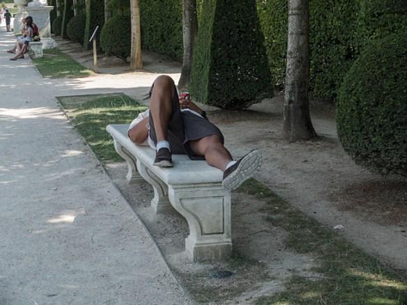 Chaleur écrasante dans le parc de Versailles.
