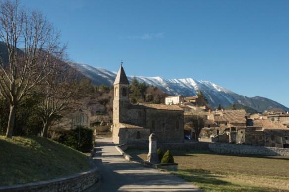 Savoillans, village médiéval au pied du Mont Ventoux.