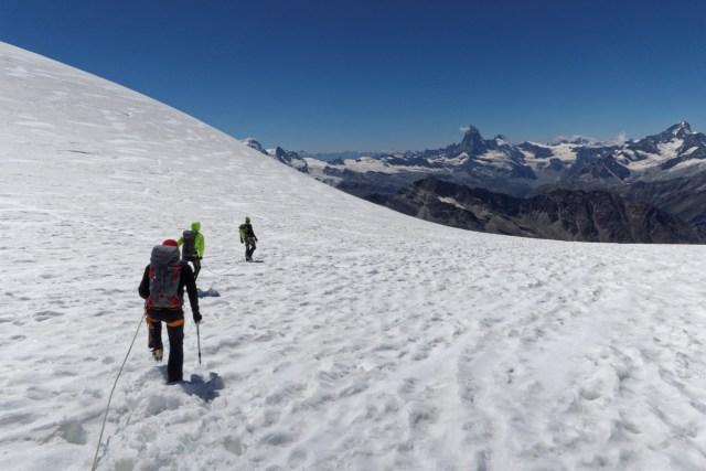 Abstieg über den Alphubelgletscher