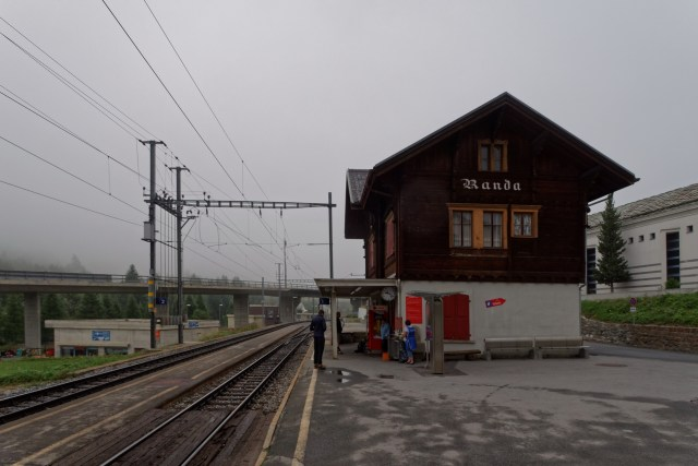 Das Wetter am Bahnhof Randa will noch nicht so recht