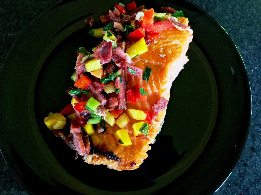 Salmon with pineapple and bacon salsa featured