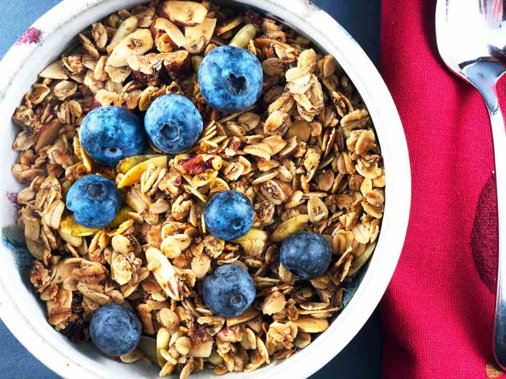 Homemade Healthy Nutty Granola
