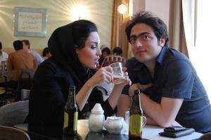 iran-cafe-couple