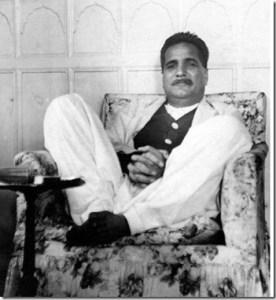 Dr-Allama-Iqbal-on-seat1
