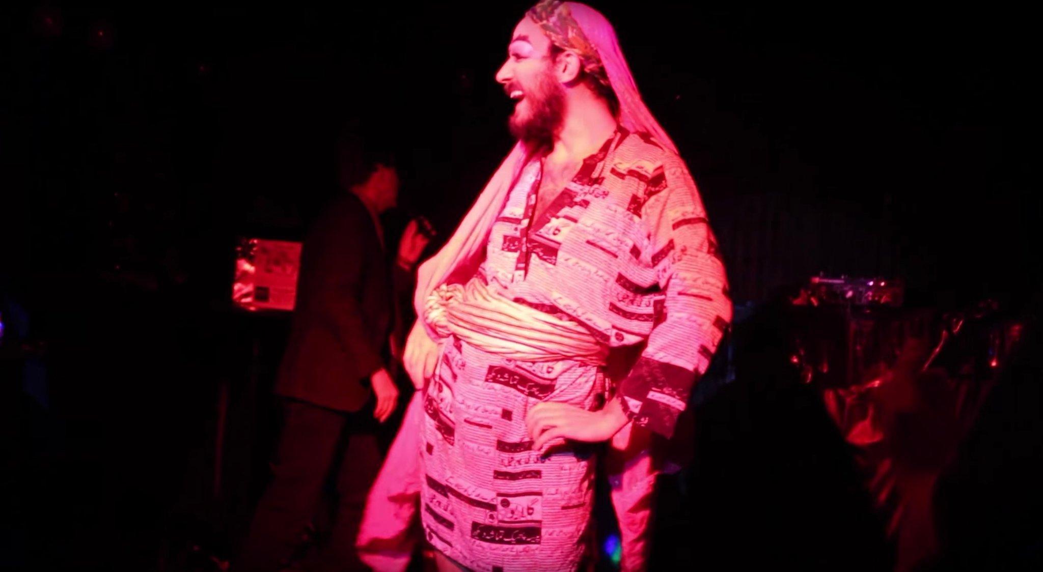 زنانہ لباس اور ڈریگ ڈانس میرے فن کا حصہ ہے- پاکستان واپس نہیں آنا چاہتا؛ ذوالفقار علی بھٹو جونئیر