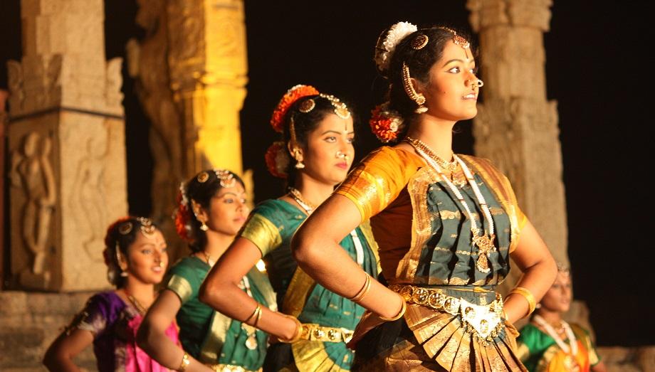 بھارت میں شرمناک رسم کی داستان اور کچھ خوفناک اعداد وشمار