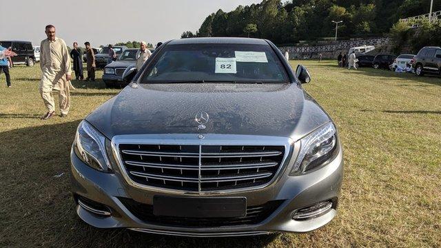 لگژری گاڑیوں کی فروخت: 'جب قیمتیں کم کر کے دوبارہ نیلامی کریں تو مجھے بلا لیجیے گا'