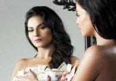 اداکارہ وینا ملک کے شہباز شریف کے بارے میں تبصرے پر عوام میں اشتعال