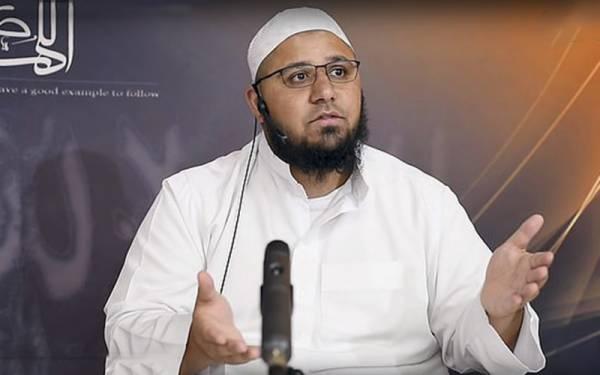 خواتین گلوکاروں کے گانے زلزلوں کا سبب بنتے ہیں: اسلامی سکالر