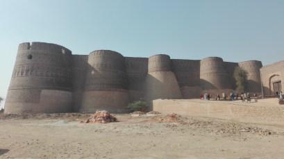 قلعہ دیر آور2