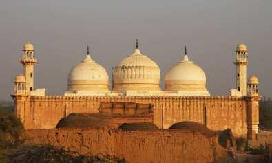 قلعہ دراوڑ - موتی مسجد سے مشابہ عباسی مسجد