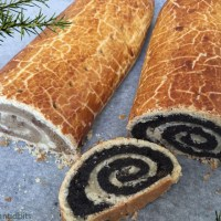 Walnut and poppy-seed roll pastries - bejgli