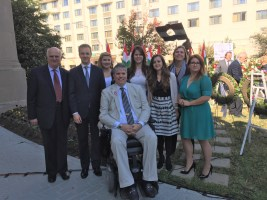 CIP interns with Coalition President Max Teleki and Janos Szekeres at the Pest lad statue