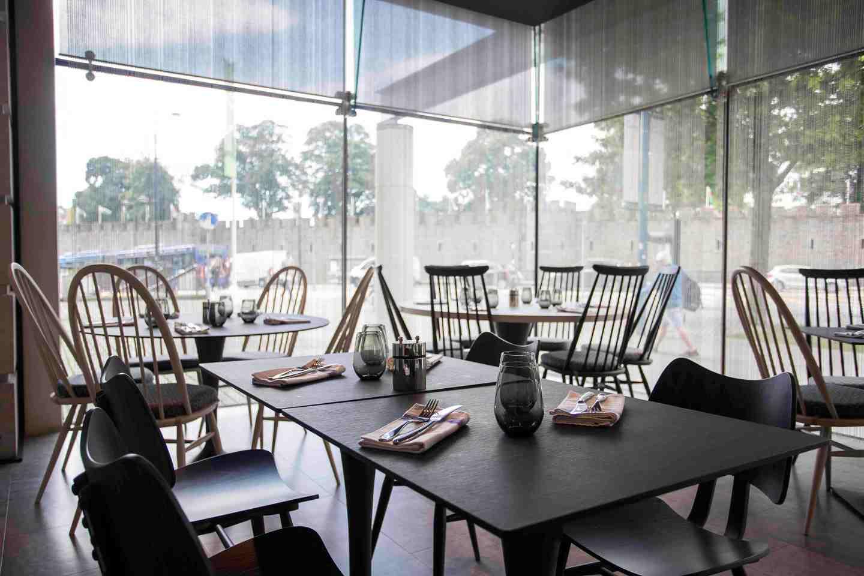Hilton Grey Restaurant –