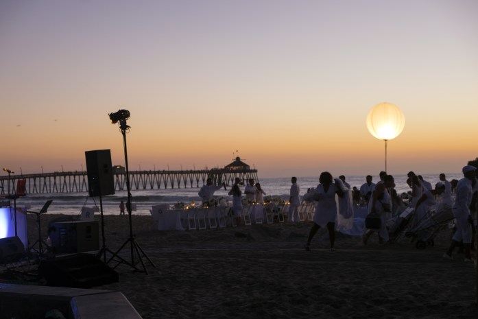 le-diner-en-blanc-and-apothic-wine-all-white-beach-event-20163179