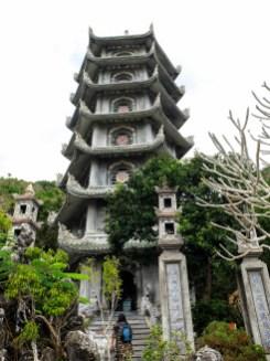 Храм в една от Мраморните планини