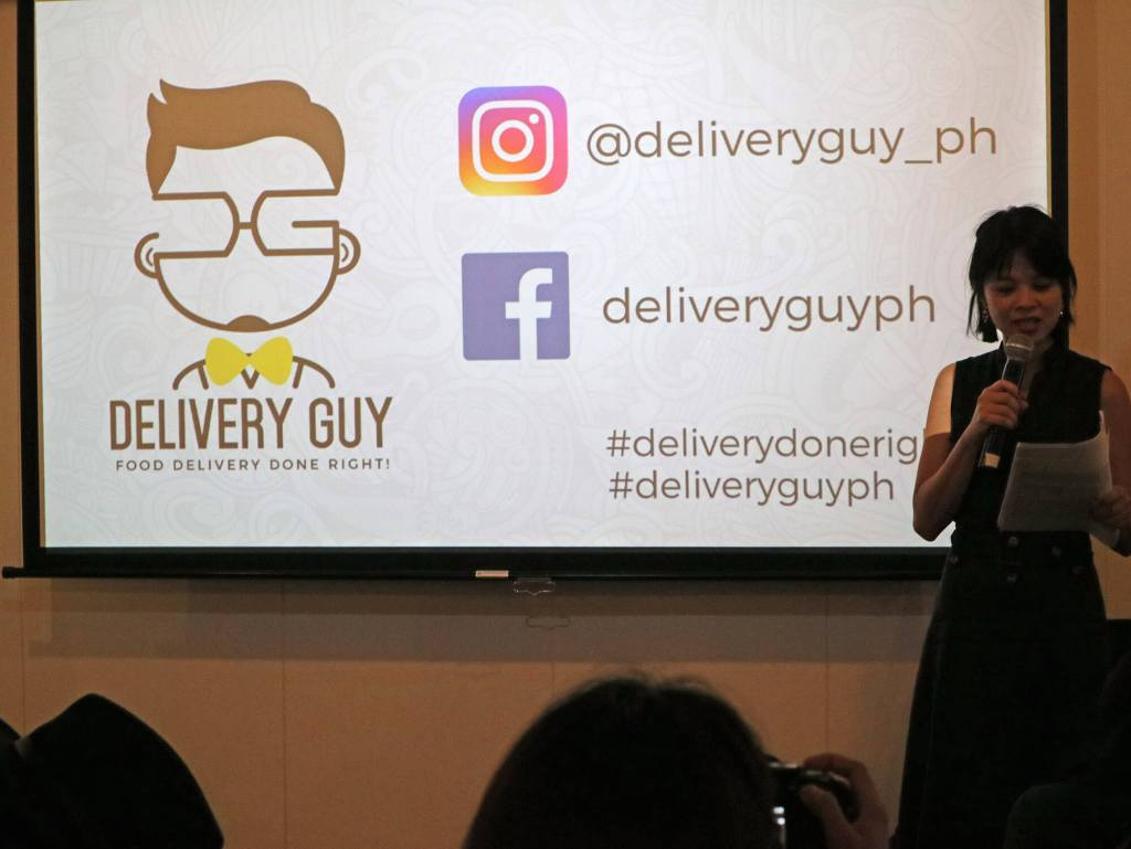 delivery-guy-hungrytravelduo