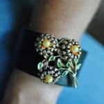 Broach bracelet hunt and host