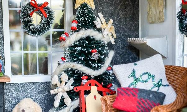 Christmas Dollhouse Decorations