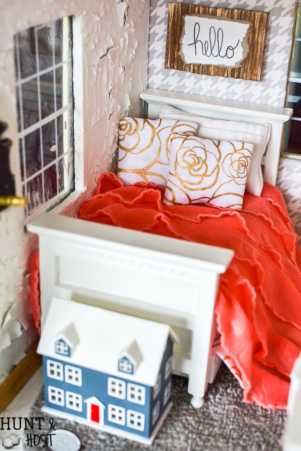Childhood dollhouse makeover! This girls bedroom gets a vintage glam look, perfect for a teenage girls room. With a mix of gold and bold, old and new you will want to move in!