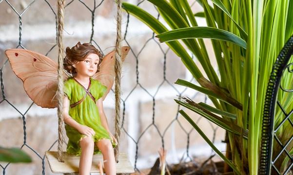 DIY Vertical Fairy Garden Idea