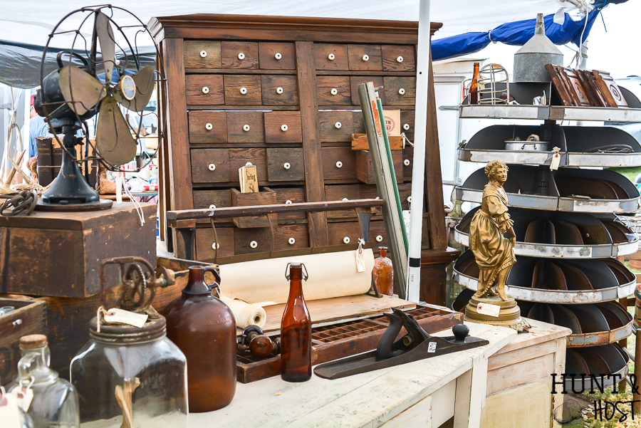 See the latest decorating trends of 2018 as showcased at Round Top Antiques Week in Texas. The fall show displayed a ton of trendy ideas to steal! from furniture paint color trends to the next hot metallic, take a look at all Antiques Week has to offer! The best Texas flea market there is. See things to do in Round Top #antiquesweek #guidedshoppingtrip #roundtop #vintagefinds #warrenton #texasflea #roundtoptx #junkhunting #junkstyle