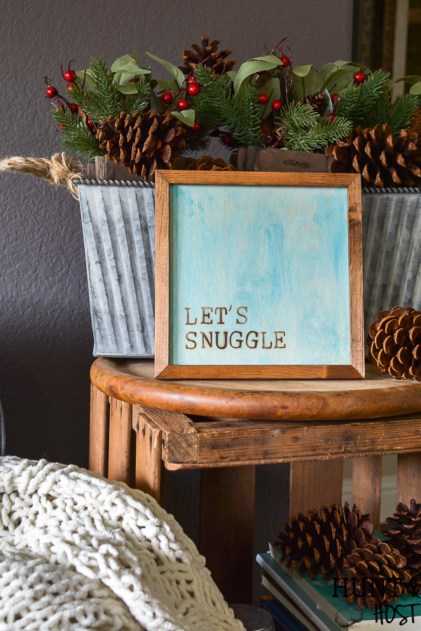 Make your own simple wood sign at home. I'll show you how with a simple heat tool and hot stamps you can create your own meaningful sign in minutes. #woodburning #simplesign #heattool #walnuthollow