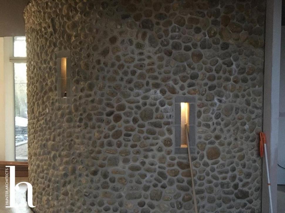 Flint Curved Wall