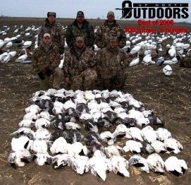 This was the only group of snow goose hunters to break 100 birds this spring... March 16, 2006.