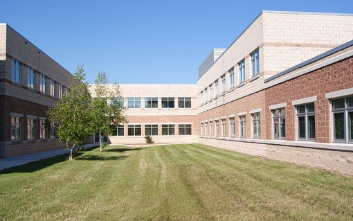 PEWAUKEE SCHOOL DISTRICT: HORIZON ELEMENTARY