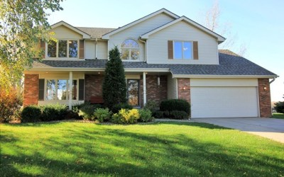 Pending  – Gorgeous, Sitting on a little Over an Acre of Property