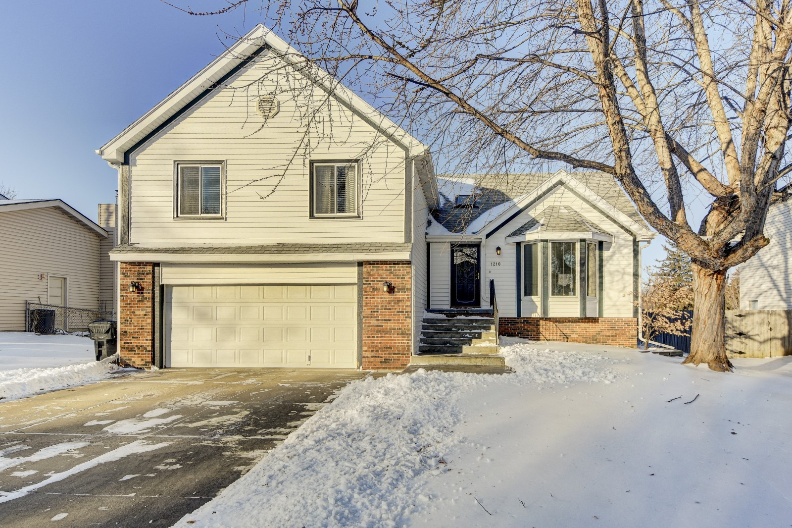 Just Listed Cedarwoods Drive Papillion Ne