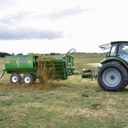 Feeding grain on top of silage | Grain Feed Bin | Grain Feed Out Bin | Hustler Equipment