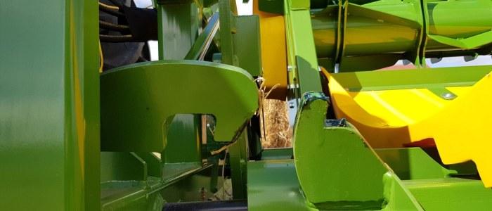 round bale feeder dual latches