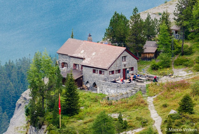 Doldenhorn Hut, Swiss Alpine Club, hut2hut