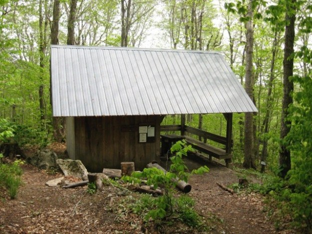 Bromley Shelter, Green Mountain Club Shelters, hut2hut