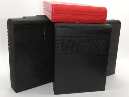 Commodore C64 kasettikoteloita tulostettuna